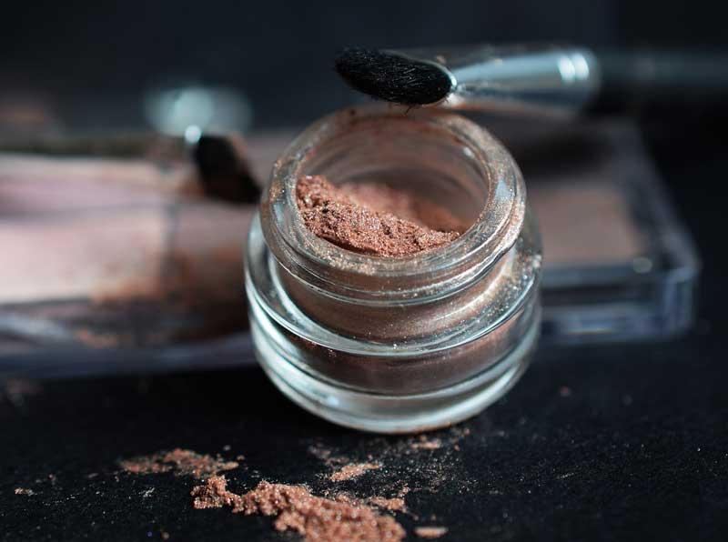 Goedkope make-up tips door visagiste Joyce van Dam!Door Joyce van Dam Hair & Make-up Artist