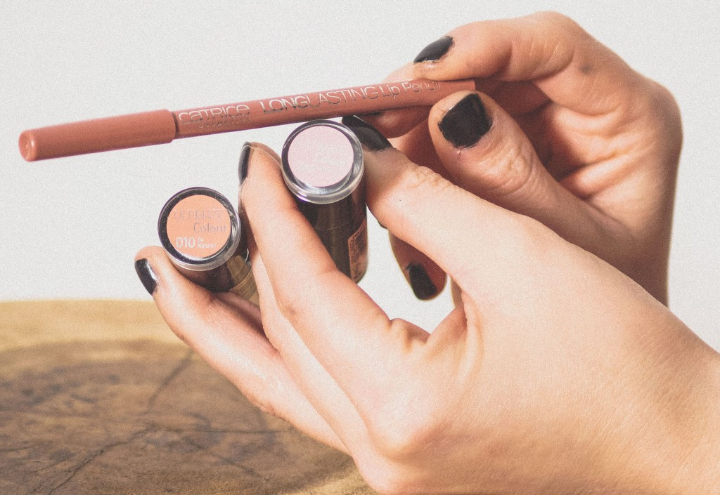 Nude-kleur-lipstick-2-Catrice-Joyce-van-Dam.nl-Foto-by-Robin-Buzink