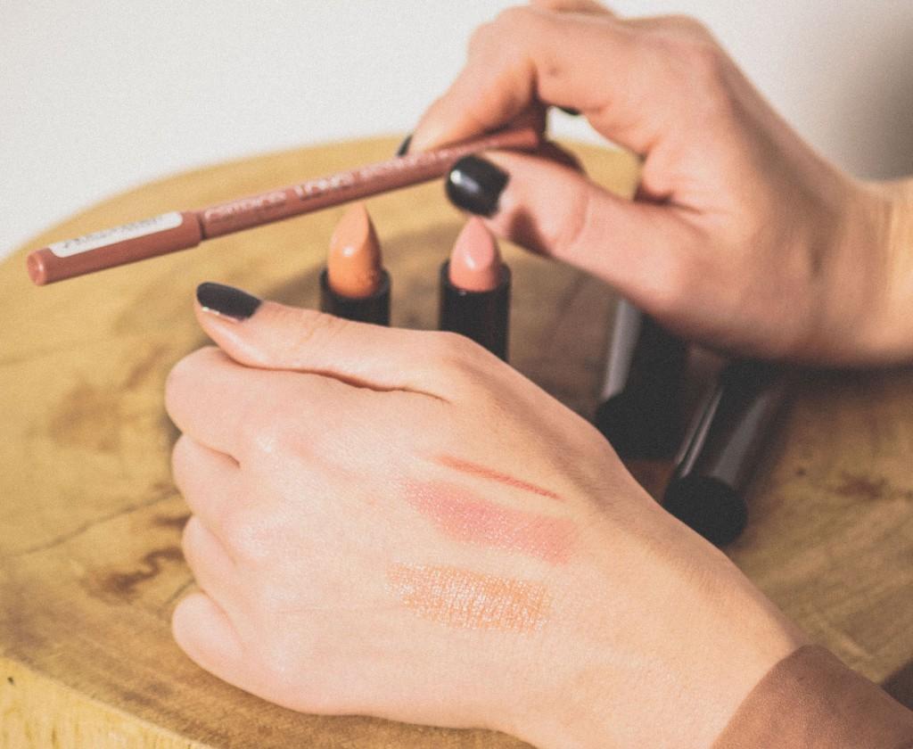 Nude-kleur-lipstick-Catrice-Joyce-van-Dam.nl-Foto-by-Robin-Buzink