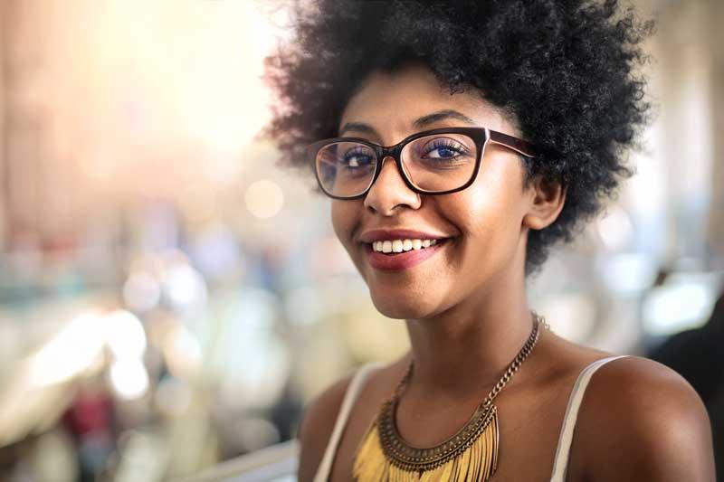 Make-up met bril. Draag jij een bril? Lees dan mijn tips! Door Joyce van Dam Hair & Make-up Artist