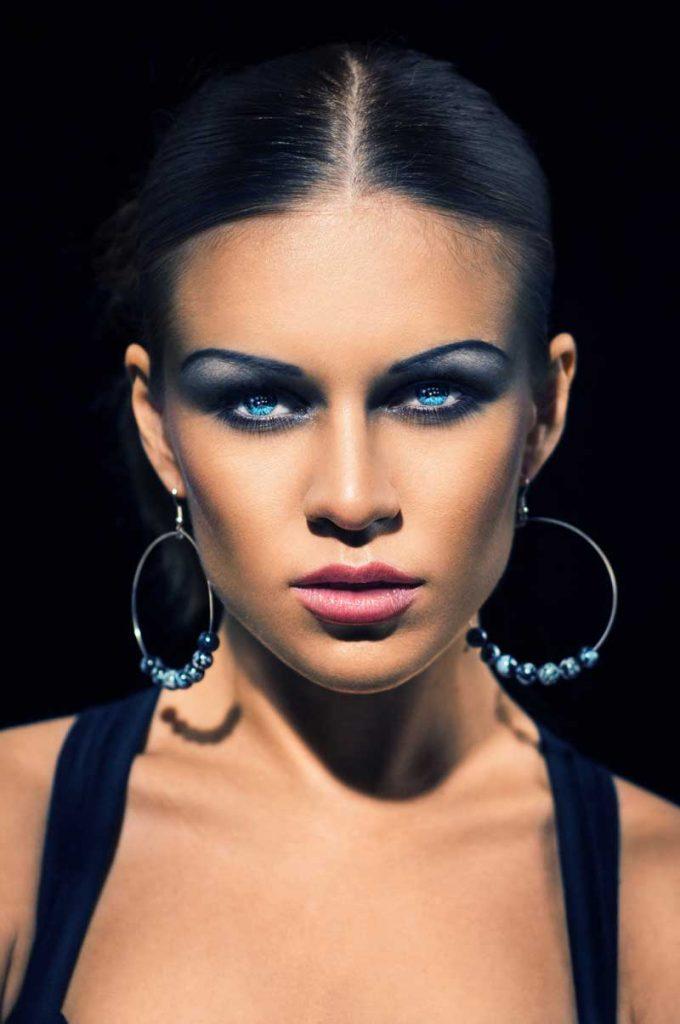 Oogschaduw blauwe ogen. Welke kleur oogschaduw te gebruiken voor blauwe ogen | Door Joyce van Dam Hair & Make-up Artist