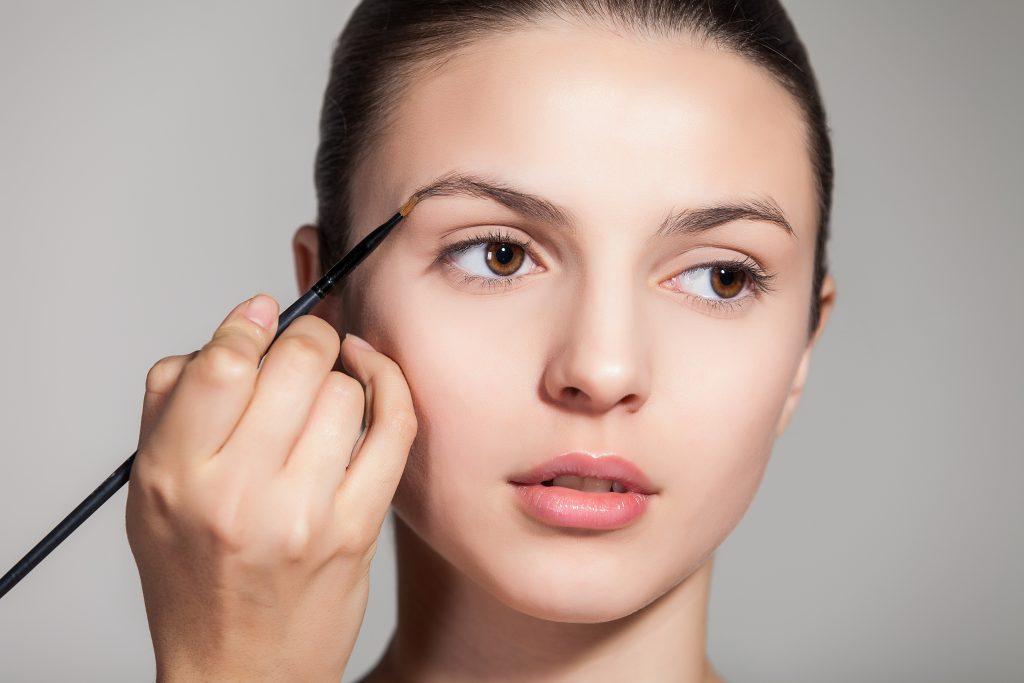 Wenkbrauwen: 8 dingen die je moet weten over je wenkbrauwen | Door Joyce van Dam Hair & Make-up Artist