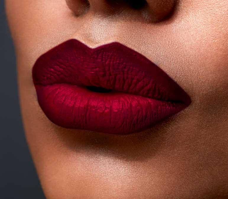Een Matte lippenstift aanbrengen. Lees mijn tips & tricks.