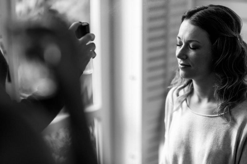 Bruidsmake-up & Bruidskapsel op locatie door visagiste / Hair & Make-up Artist Joyce van Dam