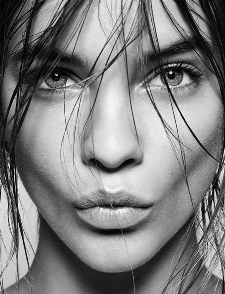 Weinig tijd? Leer hoe je een snelle make-up aanbrengt. Waar let je op?