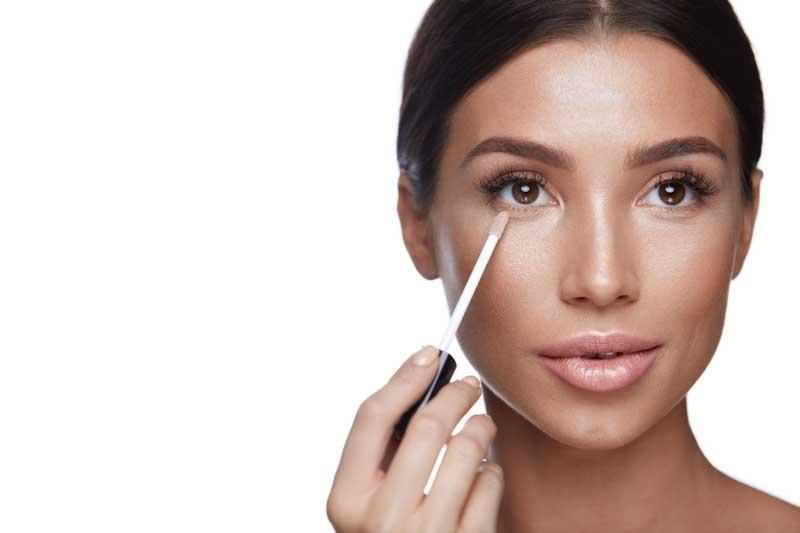 Weinig tijd? Leer hoe je een snelle make-up aanbrengt. Waar let je op