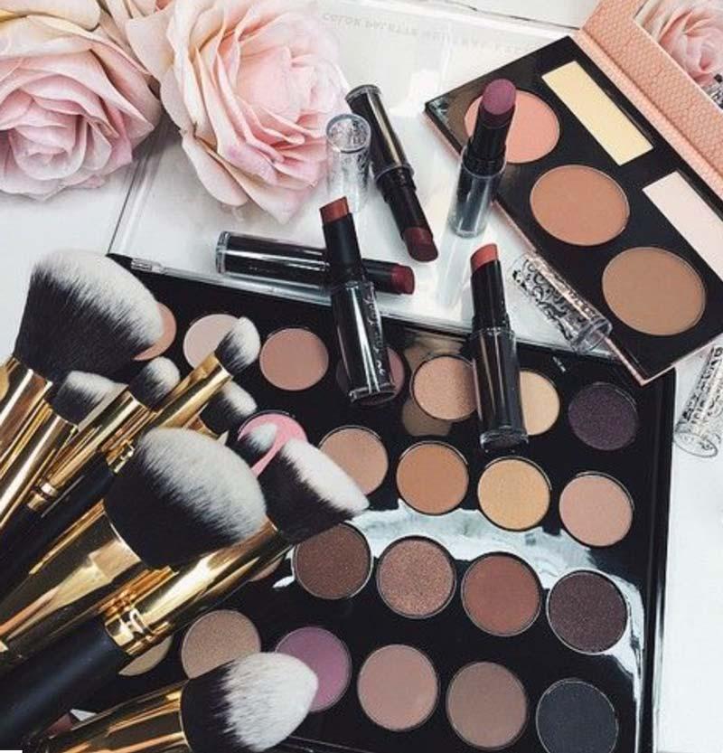 Houdbaarheidsdatum make-up. Hoe zit dit?