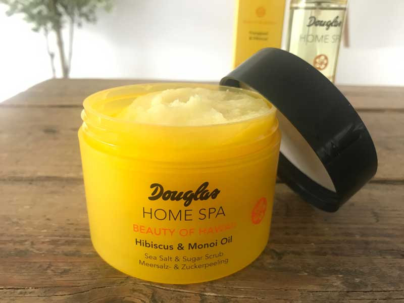 "Mijn review van de bodyspray & body scrub van de Douglas Collection Home Spa ""Beauty of Hawaii' lees je hier op mijn blog!"